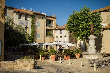 Maison de pêcheur rénovée à Bages (Aude) - Bages