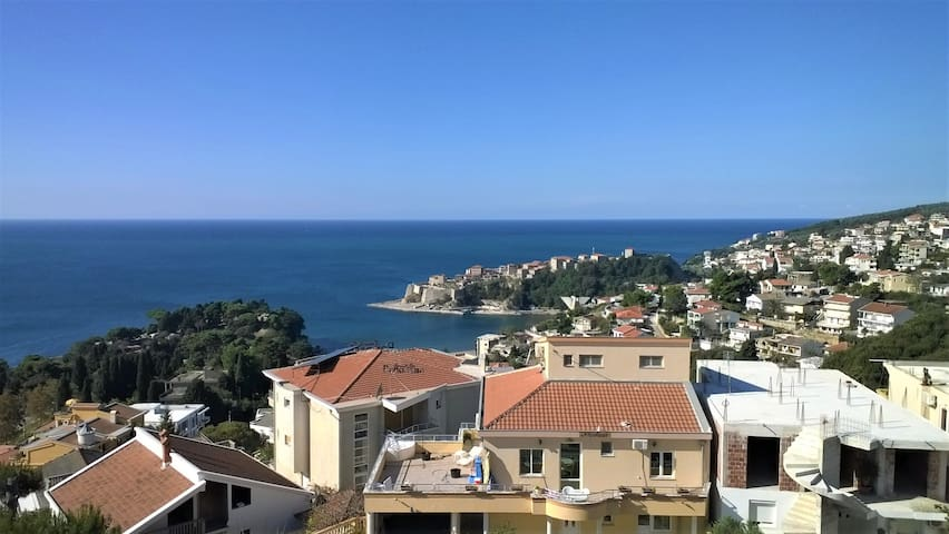 2 perfect sea view apartments + teraces - Ulcinj - Bungalov