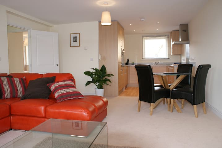 Shortletting by Centro Apartments - Bletchley MK - No. B6