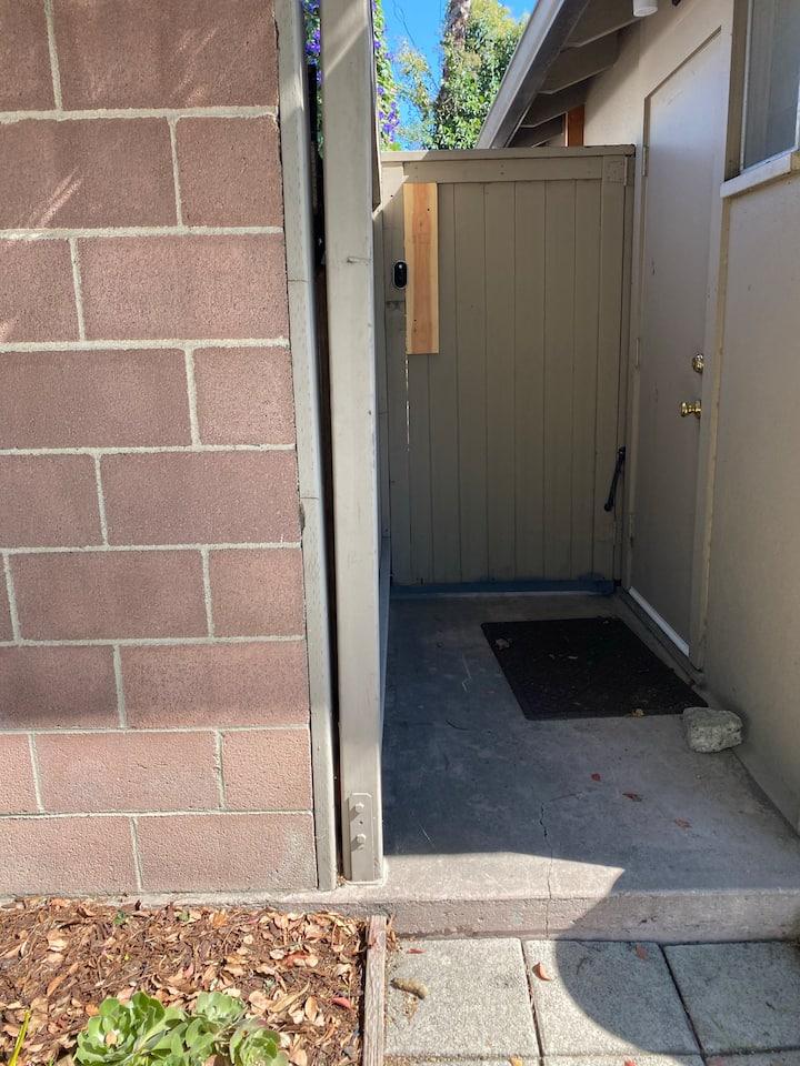 Private casita/studio with pool access
