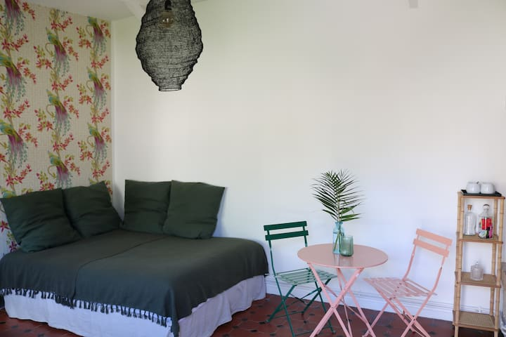 Large cosy and quiet room in Lamorlaye-Chantilly