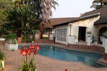 The Chinhoyi Tree House - The Zimbabwe Bedroom