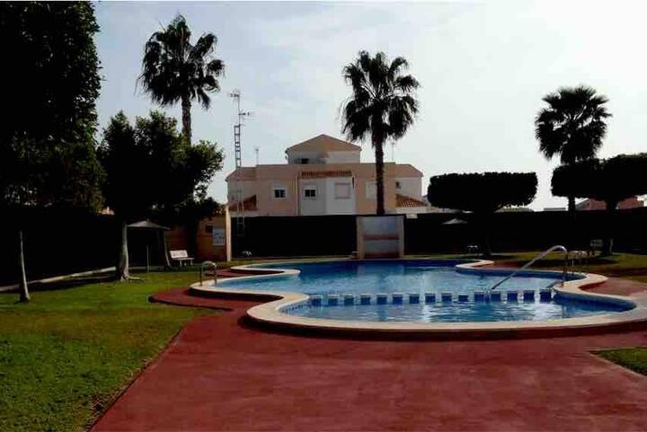 Individual House in EL LIMONAR, Torrevieja&swiming