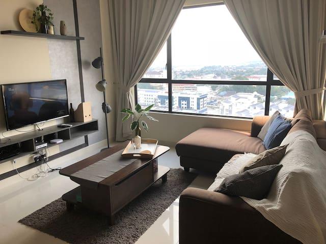 Cozy 2 bedrooms apt. Infinity Pool.  Free Wi-Fi.