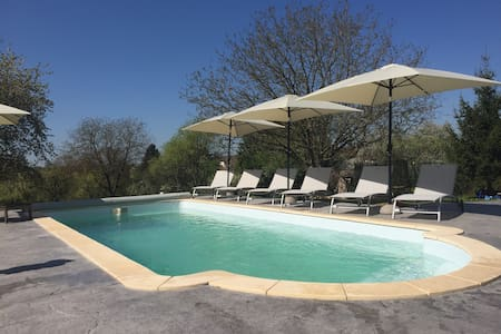 Group 4 * cottage with pool & Spa for 32 pers