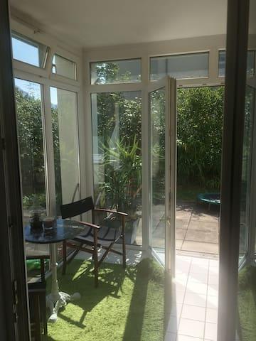 Wohnung mit Garten nahe Zentrum und See - Gmunden - Lägenhet
