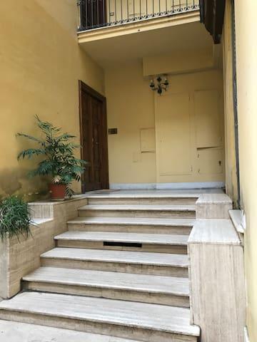 Laura Vatican Family Apartment 2