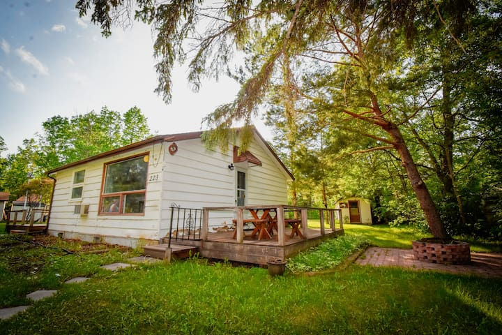 Petersfield Cottage Rental close to Winnipeg