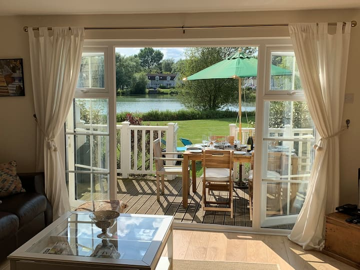 Cotswold Water Park Lodge