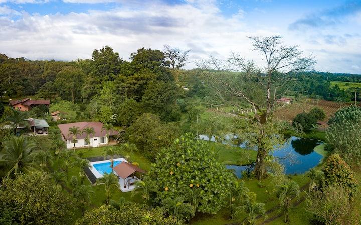 Ceiba Pond Home Rental/La Fortuna, Arenal Volcano