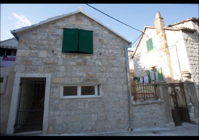Studio Apartman-stone house