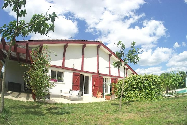 Maison Basco-landaise,  environnement dépaysant - Noaillan - Дом