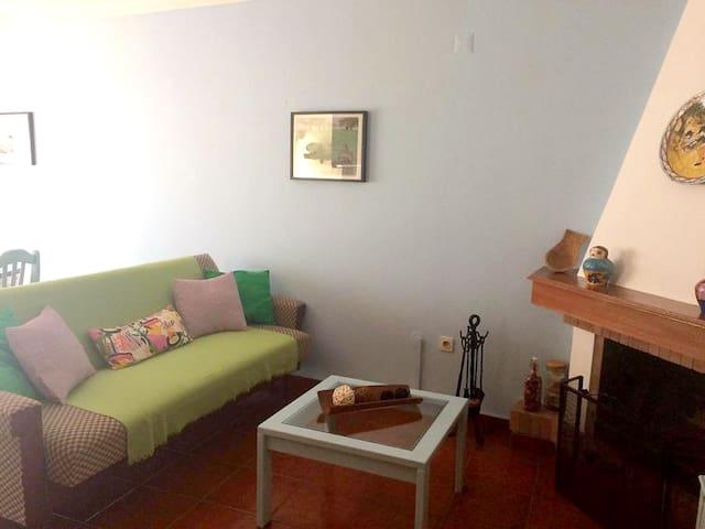 Appartamento con una stanza a Cercal, con meravigliosa vista della città, balcone attrezzato e WiFi