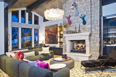 Luxurious 6 Bedroom Private Chalet - Grindelwald