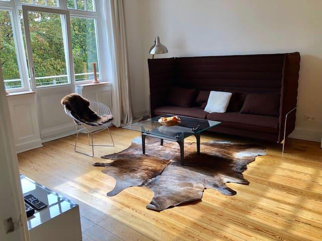Wunderschöne Wohnung in Winterhuder Stadtvilla 4Zi