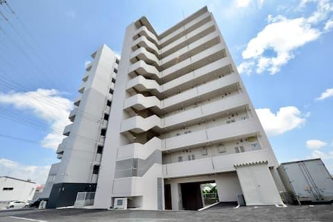 【最大8名・無料駐車場・部屋専用WIFIあり】沖縄の真ん中で観光に便利♪/CB16