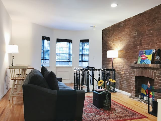 Live as NYER/ Steps to Central Park - New York - Loft