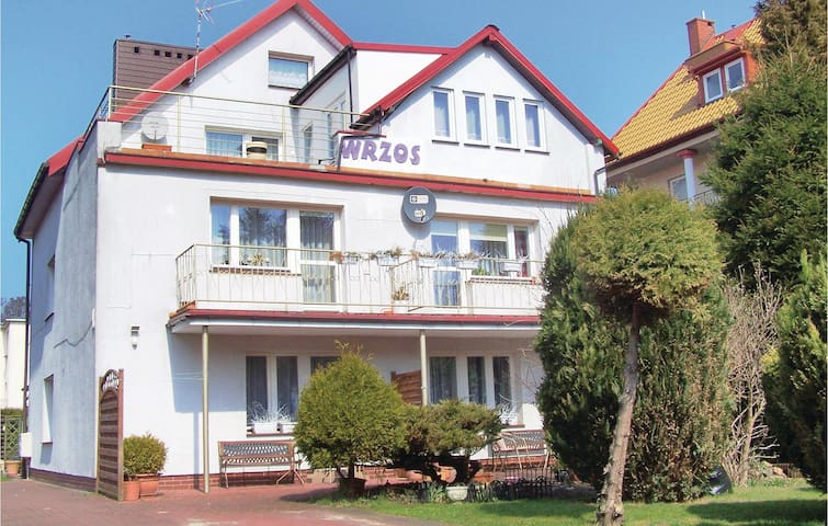 Holiday apartment with 2 bedrooms on 60m² in Uniescie