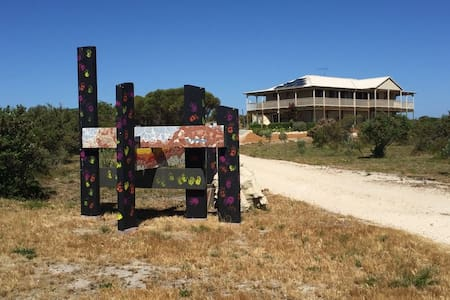 Coastal Bush Retreat - 10 mins to Lancelin beach