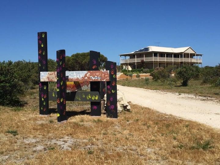 Coastal Bush Retreat - 10 mins to Lancelin beach