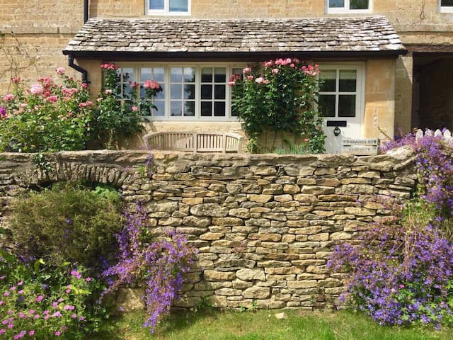 Stunning cottage in Hampnett - Hampnett - Dom