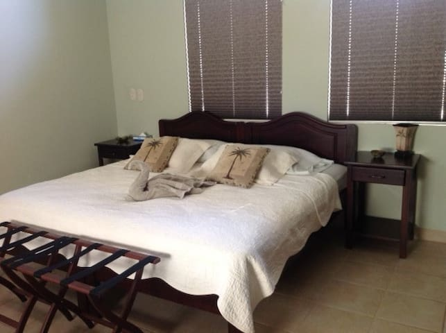 King Bed can be separated into Twin Beds.
