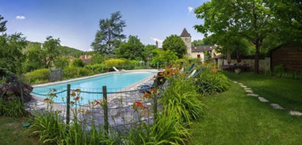 maison spacieuse et confortable  piscine privée - Daglan - Hus