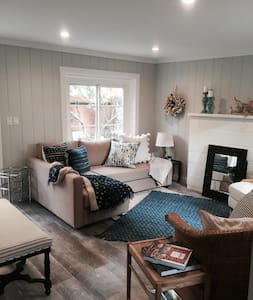 Adorable Bright and Cozy Beach Cottage - Stinson Beach - Μπανγκαλόου