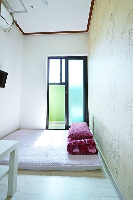 Single B - single bed
