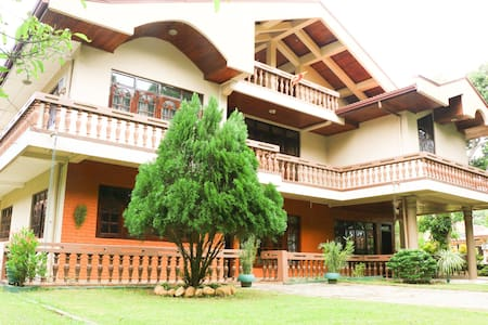 WOODSIDE VILLA Room No. 102 (Of 08 Bed Rooms) - Negombo