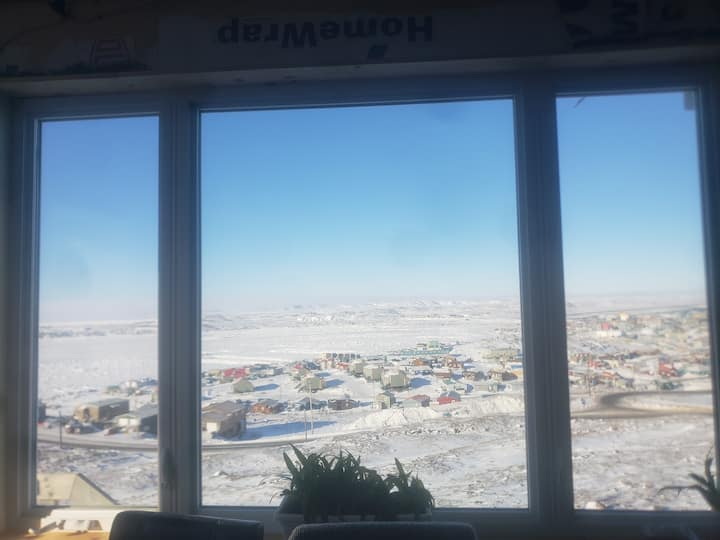 Iqaluit Welcoming Home with a view
