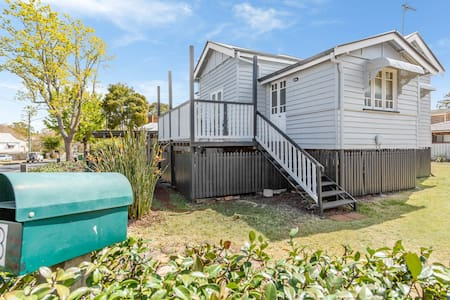 A Cute Inner City Cottage, East Toowoomba