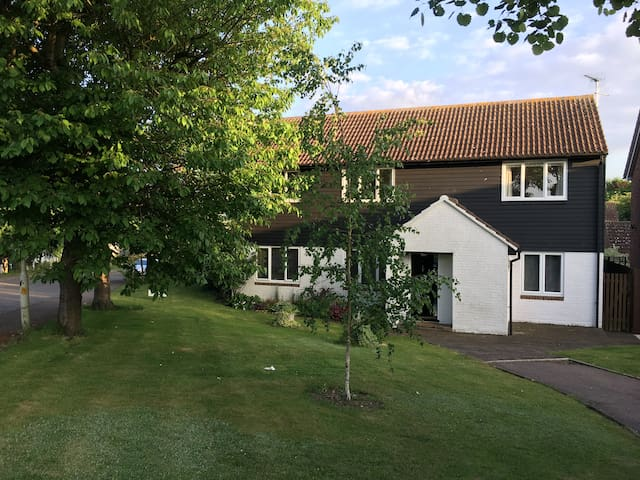 Danbury Cottage