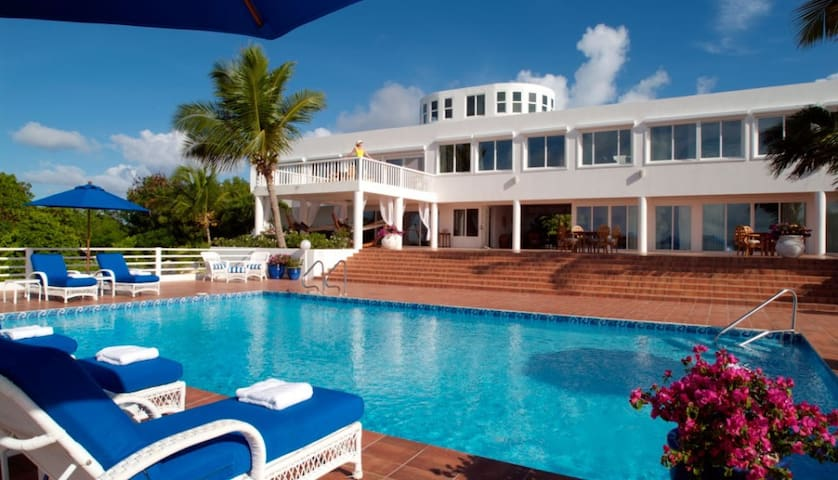 7 bd, waterfront, views, pool - Anguilla