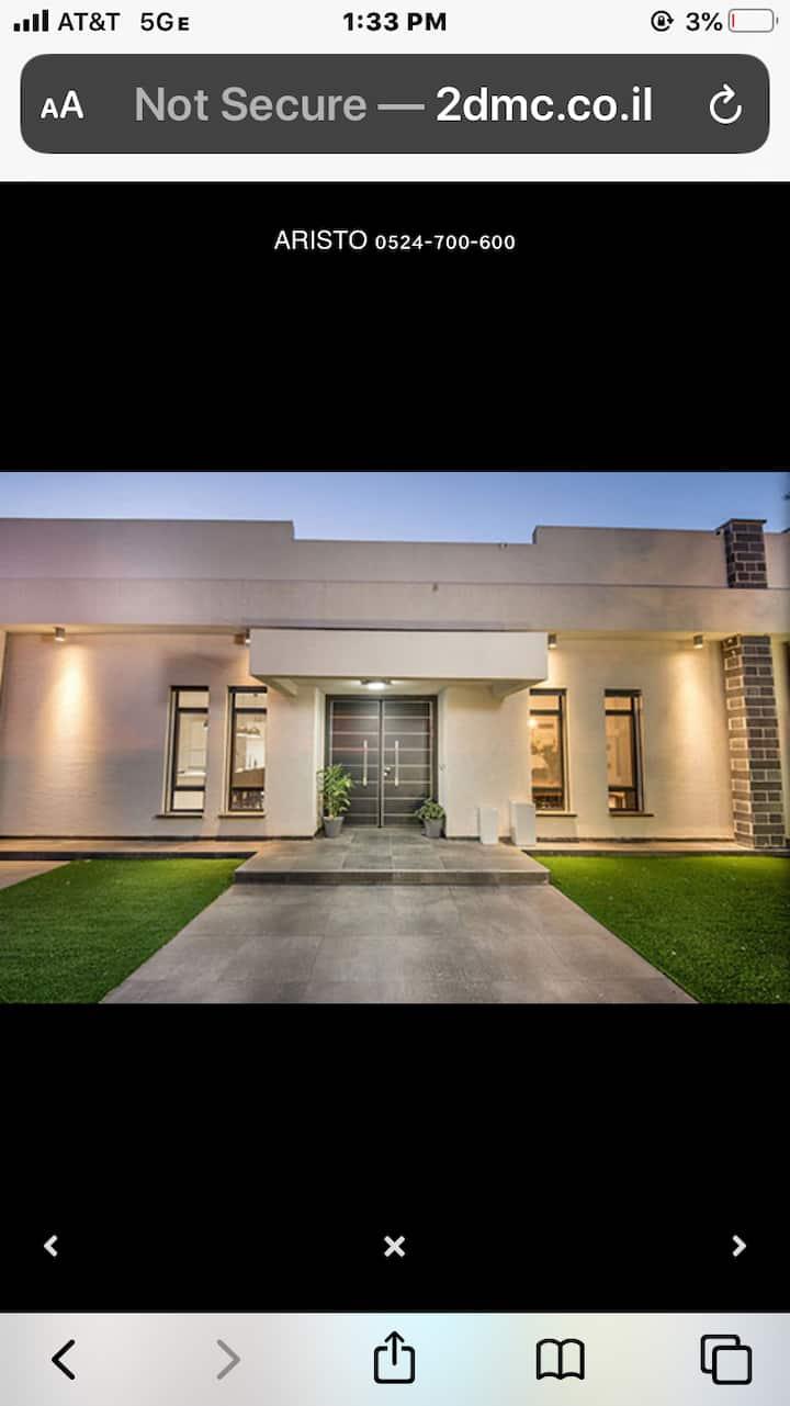 Luxury Villa Near Religious Landmarks