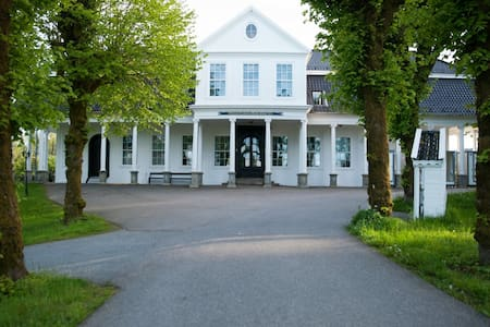 Luxury villa on 800 sqm with unique huge property, close to bergen!