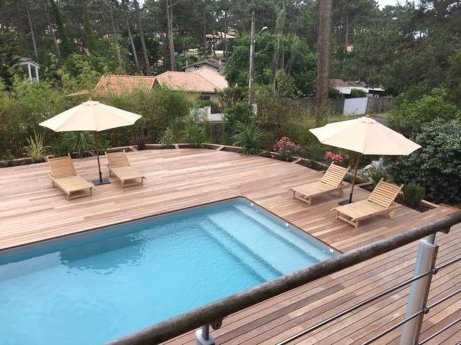 Cottage With Swimming Pool In Pinetree Forest Houses For