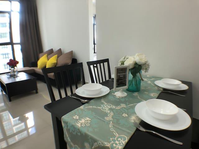 Conezion@IOI Resort City by Booking Home Hotel
