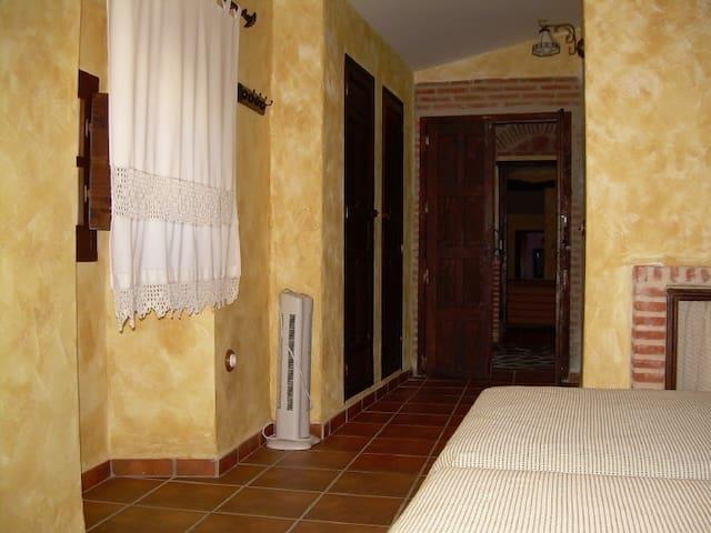 Casa Rural. Habitación 03: Hernán Cortes