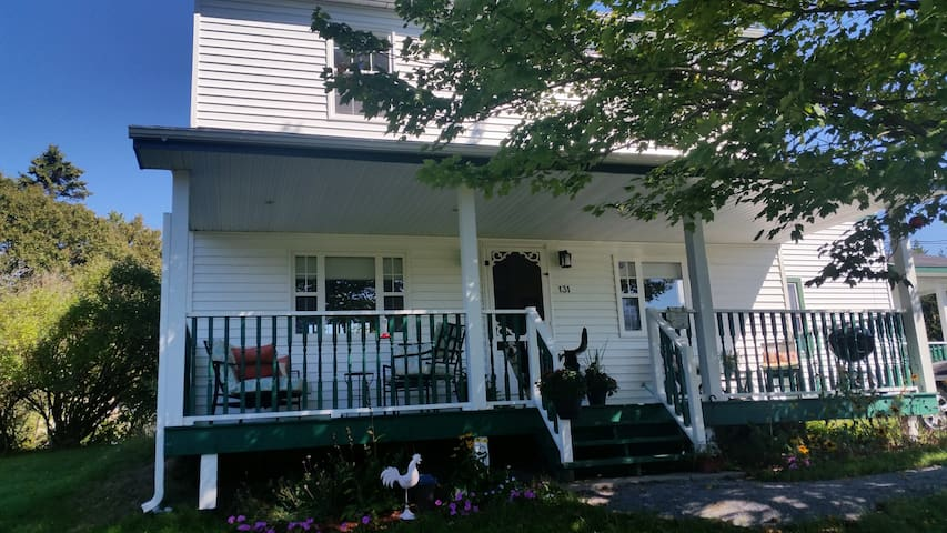 Charming 120yr old farmhouse - Saint John