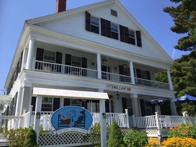 Charming Small-Town New England Inn - Fitzwilliam - Aamiaismajoitus