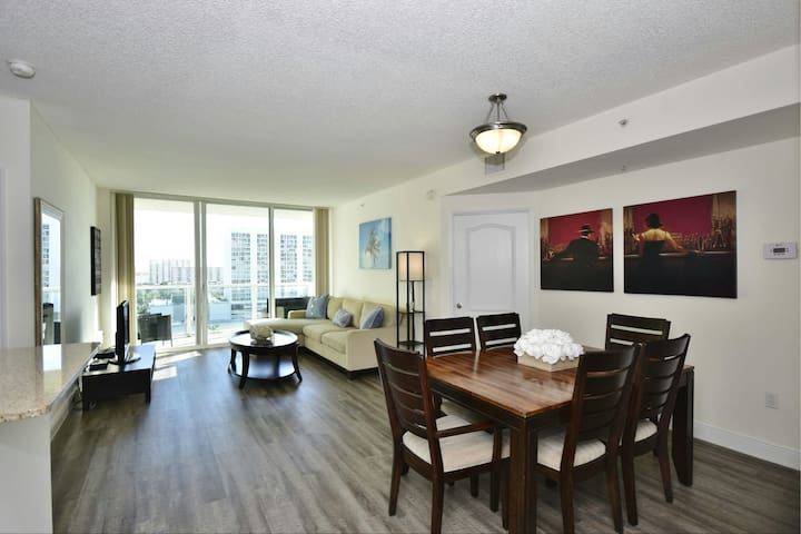BEST IN SUNNY ISLES 2BR/2Bth. Walk to the beach