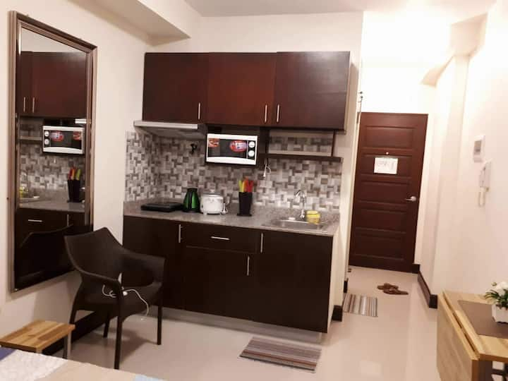 Furnished condo with wifi! (Unit 11R)