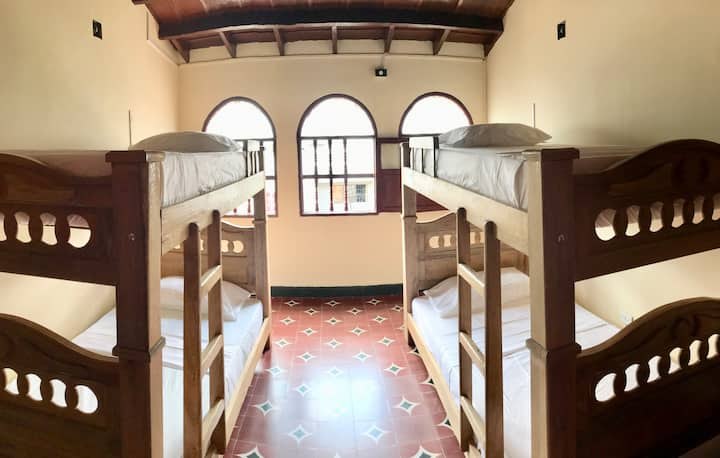 Quadruple Room with share bathroom great location