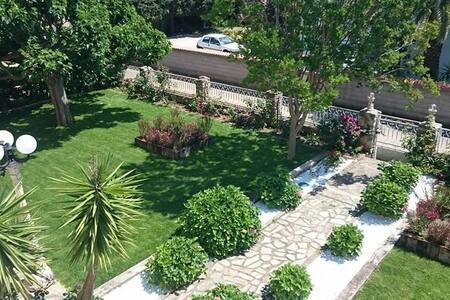 villa avec piscine / jacuzzi /8 min de la plage - Borgo - Villa - 1