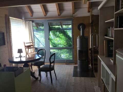 Studio dans ancienne ferme, 2e étage 1 à max. 5 p.