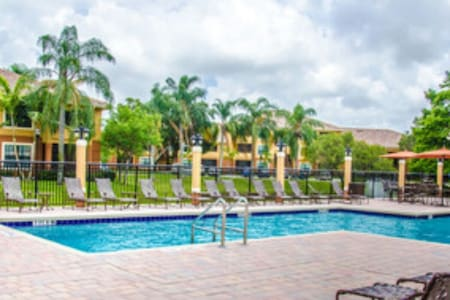 Great location in Palm Beach. - West Palm Beach