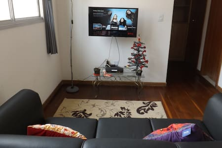 Cozy apartament + Wifi +NetFlix and Parking - Belo Horizonte