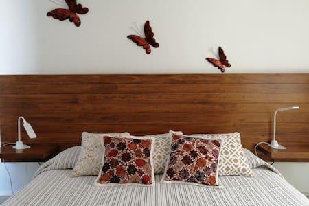 Las Mariposas Apartamento/ Butterflies apartament