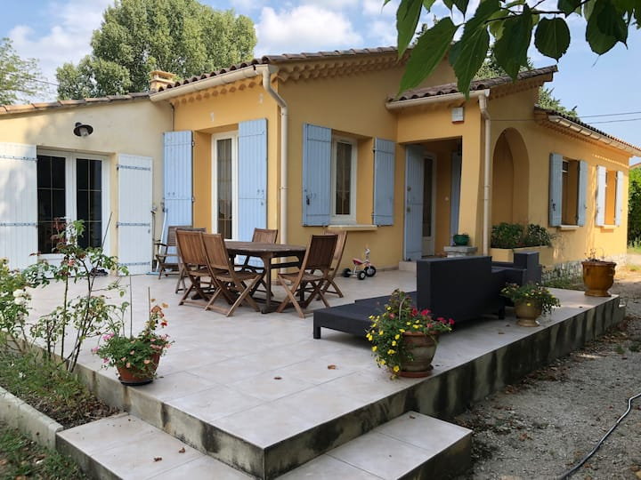 villa spacieuse et confortable